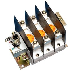 FUSE SWITCH 63A 3 POLE PANEL MOUNT. COMES WITH HANDLE/SHAFT PHASE BARRIER.USE TIA/TIS FUSE